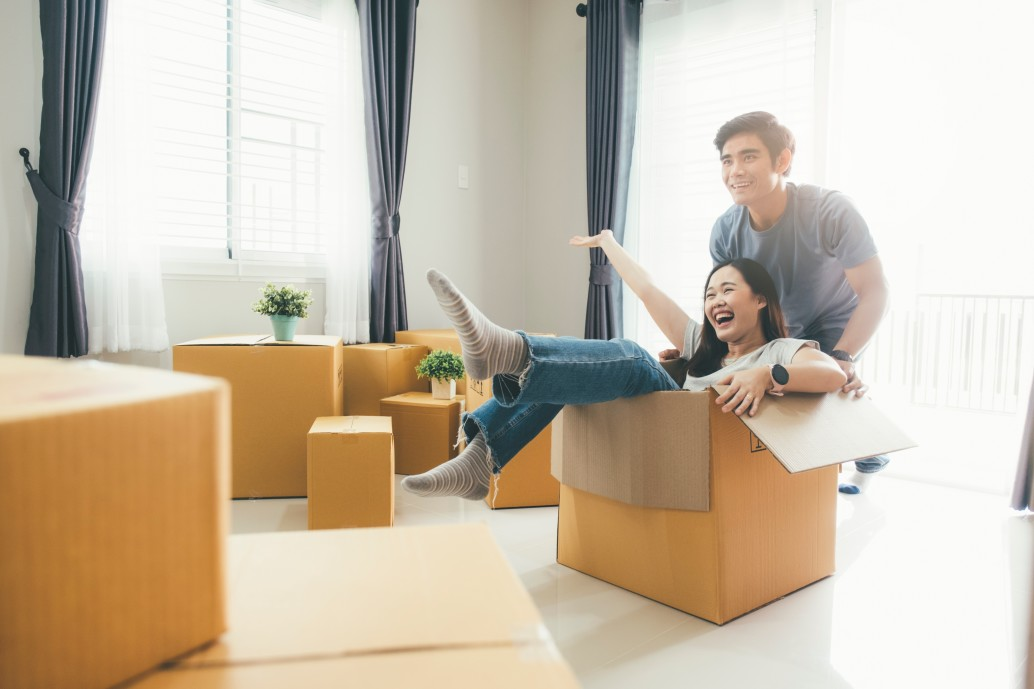 enjoying-moving-in-a-new-house-mortgage